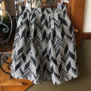 NY&Co. Eva Mendes 14 Pleated Full Skirt